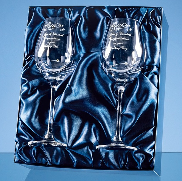 Engraved Wine Glasses with 3 Swarovski Crystals